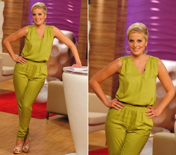 A 31 éves Tatár Csilla évekkel előzte be Tóth Gabit, már ami az overál viselését illeti. A műsorvezető 2012 nyarán mutatkozott a képernyőn ebben a zöld és nagyon csinos ruhában.