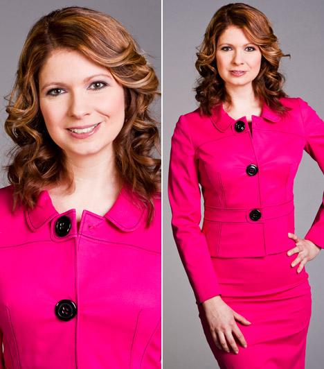 Andor Éva                         A TV2 híradósa vöröses árnyalatú hajához is fel merte húzni ezt a pink kosztümöt, melynek visszafogott szabását a Tények megköveteli.