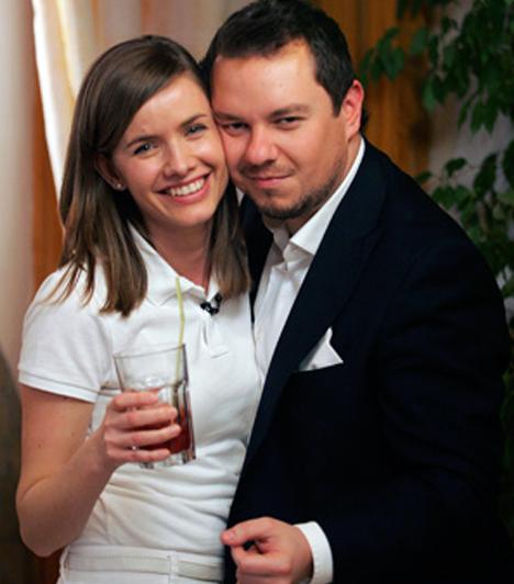 Nacsa Olivér  A humorista 2011-ben titokban házasodott össze Zsuzsával, ám 2013-ban már be is adták a válókeresetet. Nacsát annyira megviselte a szakítás, hogy 15 kilót fogyott.  Kapcsolódó cikk: Pedig tökéletesnek tűnt a házassága! A magyar tévésztár válik feleségétől?