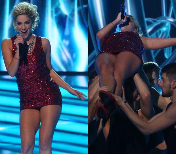 A 2013-as X-Faktorban az akkori tehetségkutató győztese, Danics Dóra is villantott: a flitteres miniruha a táncmozdulatok közben alig takart, amikor pedig felemelte a tánckar, az énekesnő alsóneműje is látható lett.