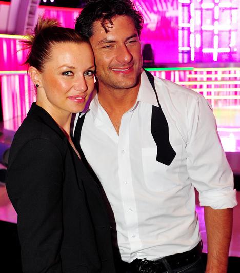Árpa Attila és Tomán Szabina  A színész-producer és párja, a szépséges modell Tomán Szabina 2005-ben házasodtak össze. Egy évre rá született meg kislányuk, Amira.  Kapcsolódó cikk: Meglepő titkot árult el házasságáról a magyar tévés »