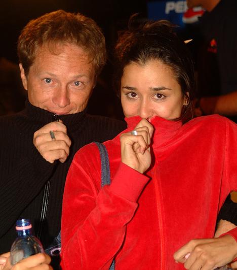 Gryllus Dorka és Geszti PéterA népszerű reklámszakember és dalszövegíró-énekes 2001-ben vette feleségül Gryllus Dorkát, akitől végül öt év házasság után 2006-ban vált el.