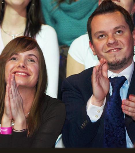 Nacsa Olivér és Kiss Zsuzsanna  A népszerű humorista és a csinos üzletasszony 2006-ban ismerkedtek meg, 2011 szeptemberében pedig a legnagyobb titokban összeházasodtak. A 2012-es év végének nagy meglepetése volt, hogy kiderült, válságba került házasságuk, és hogy úgy döntöttek, elválnak.