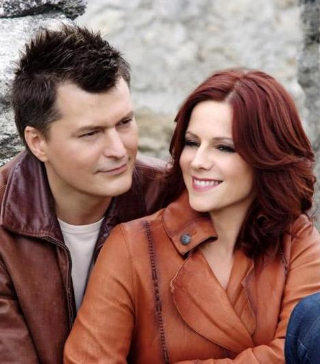 Polyák Lilla és Homonnay ZsoltA népszerű színészházaspár még az egyetemen ismerte meg egymást, az ezredfordulón házasodtak össze. Az évek során két kisfiuk született: Zsombor és Bulcsú.