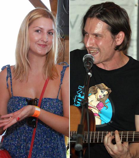 Galambos Dorina és Pély Barna  Pély Barna, a Megasztár egykori zsűritagja még a legelső széria alatt szeretett bele az akkor feltűnt vadóc énekesnőbe, Galambos Dorinába. Tíz évig éltek házasság nélkül, majd 2013 augusztusában titokban oltár elé álltak.