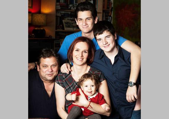 Fiaival, férjével és a kis Lénával.