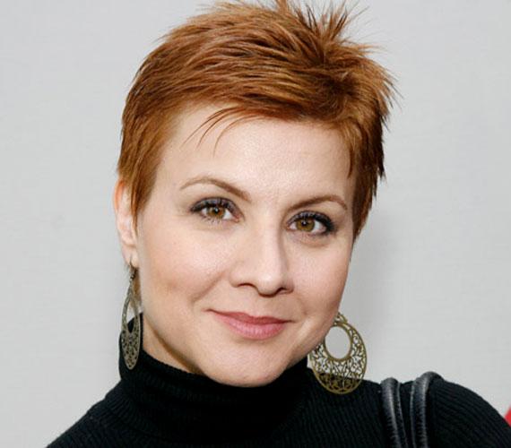 Ábel Anita március 7-én ünnepelte 36. születésnapját. Gyerekszínészként kezdte karrierjét, szinte a nézők szeme előtt vált kislányból szexi nővé - a Szomszédokban 11 évig játszott. Az évek során műsorvezetőként is kipróbálta magát, 2008 óta pedig anyaszerepben bizonyít.