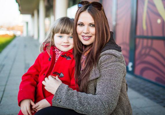 A 39 éves Palotás Petrának 2009 februárjában született meg kislánya, Bora. Neve a Borbála rövidítése. Sajnos a műsorvezetőnő akkor egy nagyon nehéz időszakon ment keresztül, első babájával ugyanis elvetélt, ami mély sebet okozott a lelkében. Azóta boldog, civil életet él a németországi Hamburgban, ahol íróként dolgozik. A képernyőre való visszatérést nem tervezi.
