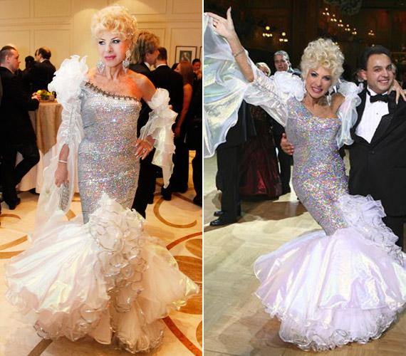 A 2012-es Story-gálán és az operabálon. Az előbbi rendezvényen ebben a ruhában esett el. Megdöbbenésére sokan inkább fotózták, mint hogy segítették volna.