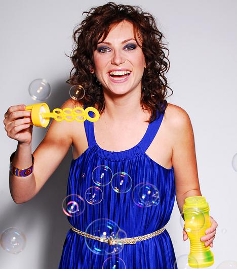 Rúzsa Magdi  Kétségtelenül ő a Megasztár történetének egyik legtehetségesebb versenyzője, nem véletlen állhatott a harmadik szériában a képzeletbeli dobogó legmagasabb fokára. Számtalan díj és elismerés mellett ő képviselhette hazánkat 2007-ben az Eurovíziós dalfesztiválon - kilencedik lett.  Kapcsolódó sztárlexikon: Ilyen volt, ilyen lett: Rúzsa Magdi »