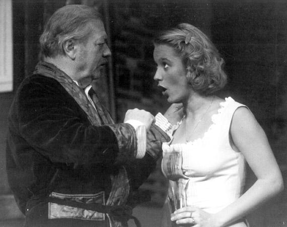 A Kaviár és lencse című darabban Fekete Tibor volt a színésznő partnere.