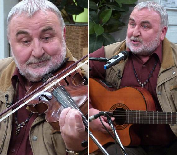 Mikó István gyermekkora óta szenvedélyesen gyűjti a hangszereket, csaknem félszáz sorakozik az otthonában, mindegyiküket meg is tudja szólaltatni. Hegedűn és gitáron különösen jól játszik.