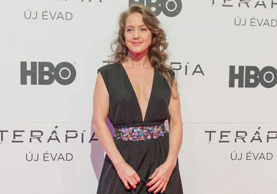 Für Anikó is a legnagyobb titokban ment férjhez. Az 51 éves színésznő április közepén mondta ki az igent szerelmének, akiről annyit tudni, hogy egy kolléganője édesapja, író és zeneszerző.