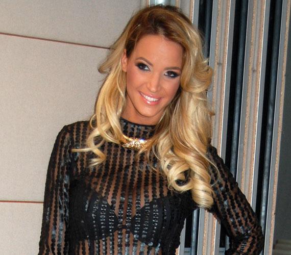 2001-ben Ónodi Réka, 2002-ben Zimány Linda - képünkön -, 2009-ben Halász Beatrix, 2010-ben Barta Zsanett lett a legszebb a Miss Alpok-Adrián.