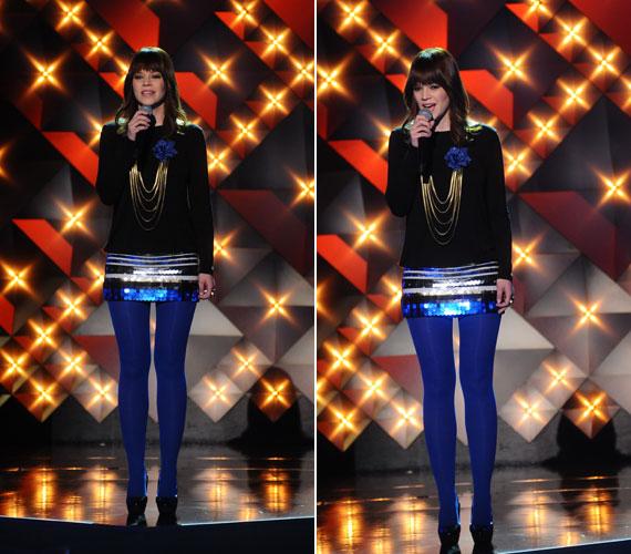 A kék harisnya is rendkívül vonzotta a nézők tekintetét.