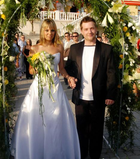 Ada és TimóAda és Timó a VIVA TV műsorvezetői voltak, amikor egymásba szerettek, 2005 augusztusában össze is házasodtak. 2006. január 9-én megszülettek ikreik, Bálint és Bence. 2009 elején férjével a válás mellett döntöttek, azonban a jó viszony megmaradt közöttük.