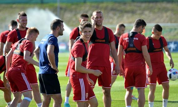 Nagy Ádám a magyar labdarúgó-válogatott Tourrettes-ben tartott edzésén június 12-én.
