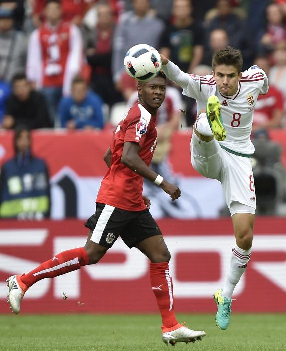 Június 14-én Nagy Ádám is pályára lépett a bordeaux-i stadionban, a franciaországi labdarúgó-Európa-bajnokság F csoportjának első fordulójában, az Ausztria-Magyarország mérkőzésen - a magyarok győztek 2:0-ra.