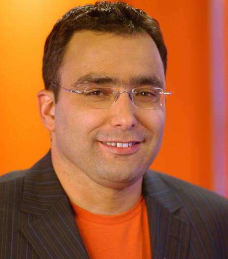 Sváby AndrásSváby András mezőgazdasági iskolába járt, végül mégis a média világa felé vette az irányt. Dolgozott a rádiónál, a közszolgálati tévénél, majd közel tíz évig a TV2 egyik arca lett. Kipróbálta magát szerkesztőként, riporterként és műsorvezetőként, 2000-ben megalapította saját produkciós cégét is.