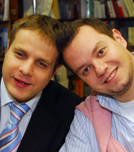 Bagi Iván és Nacsa Olivér  1998-ban nyerték meg a Magyar Rádió által rendezett humorfesztivált, 2003-ban indult útjára Banánhéj című műsoruk a TV2-n. 2007-ben átigazoltak az ATV-hez, 2009 őszén új műsorral jelentkeztek. 2011 szeptemberétől az M1 Poén Péntek című műsorában havonta látható a Szálka, avagy Bagi és Nacsa megakad a torkán című műsor.