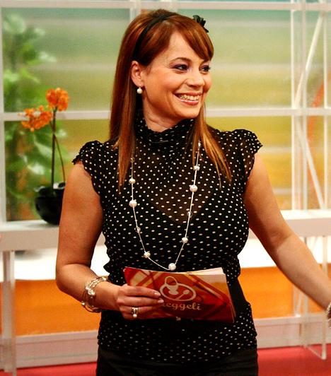 Csisztu ZsuzsaCsisztu Zsuzsa eredetileg tornászbajnok volt, 1992-ben, a barcelonai olimpia idején debütált szakkomentátorként. Később a Magyar Televízió Telesport című műsorát vezette. Karrierje során több csatornánál is megfordult.