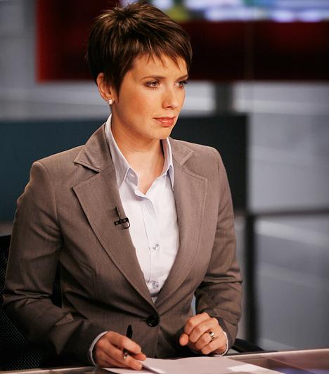 D. Tóth Kriszta  A kaposvári születésű újságíró-híradós karrierje során több csatornánál is megfordult: szerkesztő-riporterként dolgozott a TV3-nál és az RTL Klubnál is, majd a Magyar Televízió brüsszeli tudósítója lett, 2011-ben pedig a DTK Show háziasszonyaként debütált. 2013 januárjában felmondott az MTVA-nál, ezt követően a DTK Show is megszűnt.