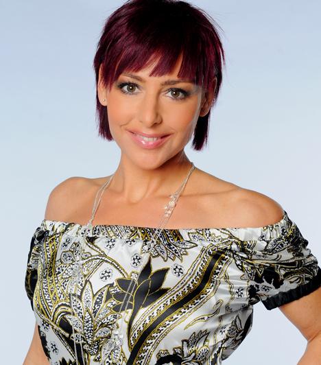 Erős Antónia  1998 óta dolgozik az RTL Klubnál, sikerességéről pedig mindent elárul, hogy kétszer is megválasztották a legnépszerűbb női műsorvezetőnek.  Kapcsolódó sztárlexikon: Ilyen volt, ilyen lett: Erős Antónia »