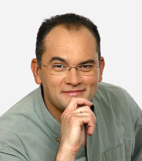Gundel Takács Gábor  Gundel Takács Gábor karrierjét a Magyar Televíziónál kezdte. A Telesport, majd a Játék határok nélkül műsorvezetője volt. Dolgozott az Eurosportnál és a Sport TV-nél, de a Rádió Bridge-ben és a Danubius Rádióban is hallhattuk a hangját. 2007-ben tért vissza a Magyar Televízióba, ő lett a házigazdája a Maradj talpon! című vetélkedőnek.