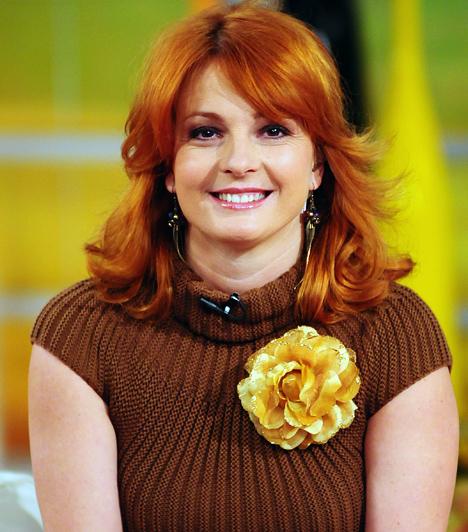 Keleti Andrea  A versenytáncos Keleti Andreát a Szombat esti láz című show-műsornak köszönhetően ismerte meg a nagyközönség. A kétgyerekes sztáranyuka hamar a nézők kedvencévé vált, talán ennek is köszönhető, hogy 2010 őszén az RTL Klub Reggelijének műsorvezetője lett egykori táncpartnere, Csonka András oldalán. 2013-ban az RTL II-n jelentkező Szombat esti láz zsűritagja lett.