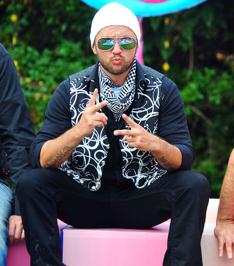 Majka  Az eredetileg Majoros Péter néven született tévés a Való Világban tűnt fel. Sikeresen bemutatkozott rapperként, és vezetett műsort a Cool TV-n és a VIASAT-on. Az RTL Klubon a Heti hetesben is bemutatkozott.  Kapcsolódó sztárlexikon: Ilyen volt, ilyen lett: Majka »
