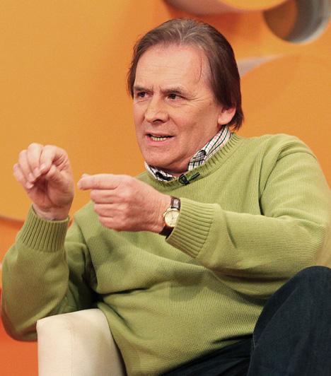 Mohai GáborAz 1947-es születésű tévébemondó Újfehértón született, Debrecenben jár gimnáziumba. Népművelés-könyvtáros szakon végzett, majd magyar szakon folytatta tanulmányait Budapesten. 1978-ban, bemondói álláshirdetésre jelentkezve került a Magyar Rádióhoz, 1979-ben pedig a Magyar Televízió munkatársa is lett, ahol 2007-ig dolgozott. Jelenleg a Magyar Rádiónál bemondó.