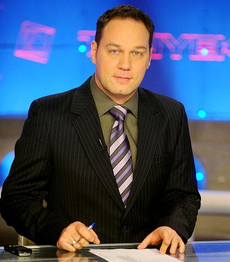 Pachmann PéterAz 1971-ben született szerkesztő-műsorvezető a budapesti Madách Gimnáziumban érettségizett 1989-ben, majd az ELTE magyar, angol és média szakán szerzett diplomát. Tévés pályafutását a Magyar Televízió Híradójában kezdte, és 1997 óta vezeti a TV2 Tények című hírműsorát.