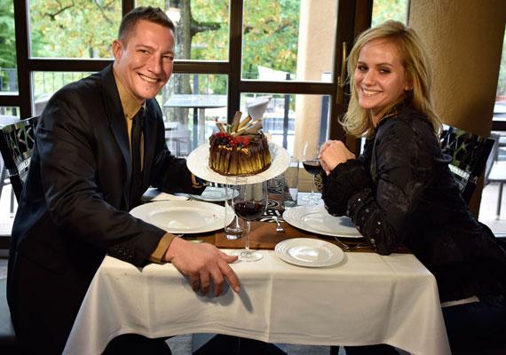 Németh Kristóf és Judit lassan fél éve alkotnak egy párt, már össze is költöztek. A bájos, szőke szépség hamar elnyerte a színész kisfiának, Lócinak a bizalmát is.
