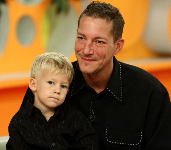 Bár a színész és kedvese, Niki már külön utakon járnak, kisfiával igyekszik minél több időt együtt tölteni.