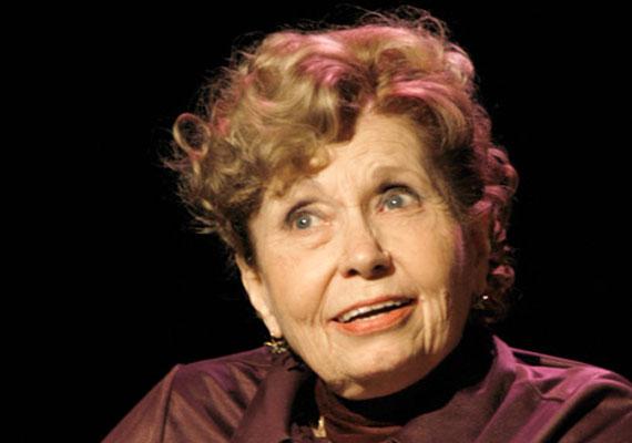 Schubert Éváról, a Szomszédok Lillácskájáról mondták pályatársai, hogy ő az a színésznő, aki minden szerepet el tudott játszani. A József Attila Színház, a Vidám Színpad, a Vígszínház és a Játékszín tagja volt. A Kossuth-díjas magyar színésznő mára visszavonultan él, mivel életét egy súlyos betegség árnyékolja be: csontritkulása évekkel ezelőtt kerekesszékbe kényszerítette. Talán pont ő kapja meg a nemzet színésze címet?