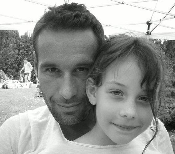 Noszály Sándorral él tízéves lánya is, Szonja, akit szintén megtanított teniszezni, és állítólag a kislány is nagyon tehetséges ebben.