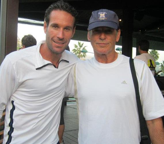 A 007-es ügynök, Pierce Brosnan technikáján is volt mit csiszolni.