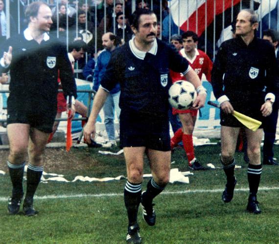 Az egykori FIFA-játékvezető, Németh Lajos, aki az 1986-os mexikói világbajnokságon képviselte a magyar színeket, de öt másik világbajnoki mérkőzésen partjelző volt, 2014. január 26-án távozott az élők sorából. 1978-ig a Békéscsaba NB I-es csapatában focizott.