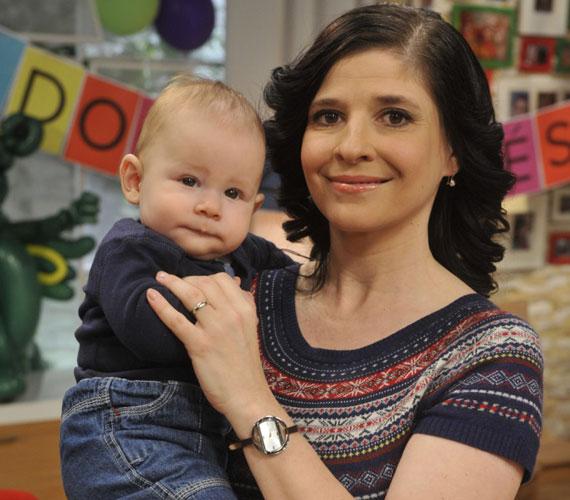 Az új évad kezdetével tér vissza a képernyőre az egyéves Máté anyukája, Dióssy Klári. A műsorvezető 2014. július 28-án hozta világra kisfiát.