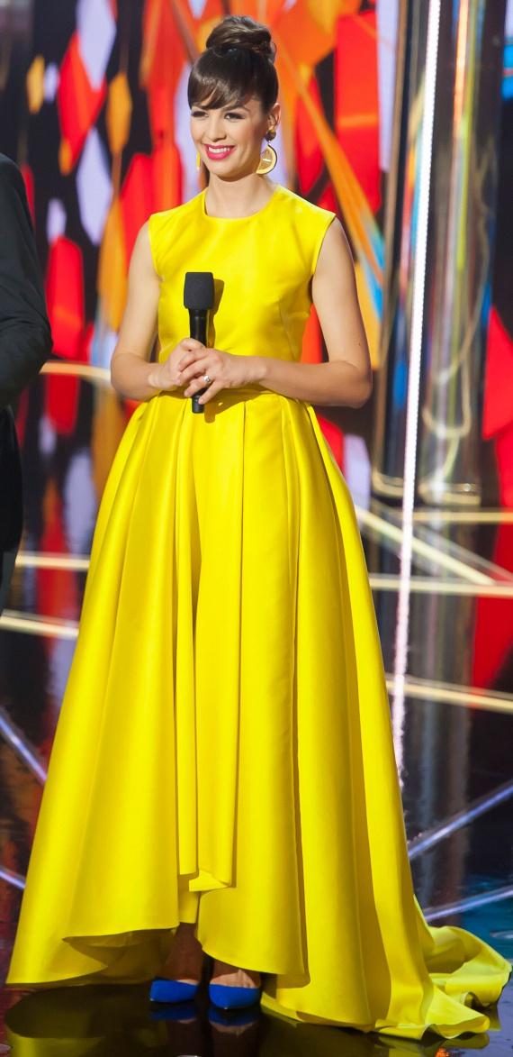 Az ötödik válogatón ugyancsak a Daalarna Szalonra esett a választása, a legújabb kollekciójának egyik sárga darabjába bújt. A nézők szerint hasonlított benne Audrey Hepburnre. Modern hercegnő volt: tessék csak nézni a kék cipellőket és a fél citromot formázó fülbevalókat.