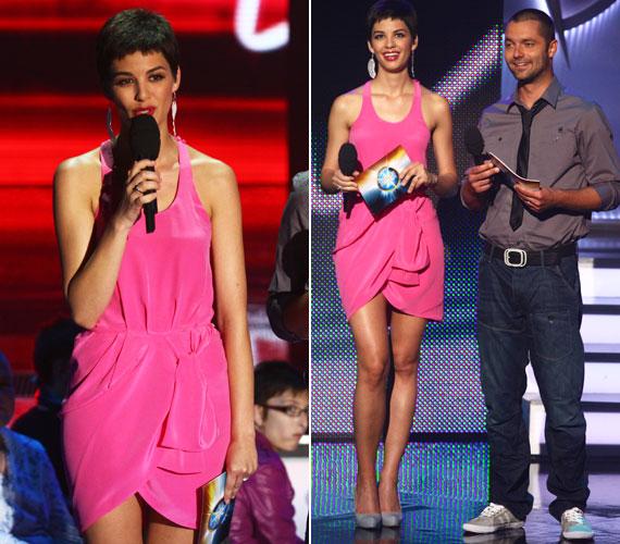 A hatodik élő adásra sokat színesedtek a produkciók, Nóri is maradt az élénk színeknél: pink ruhában köszöntötte a nézőket.