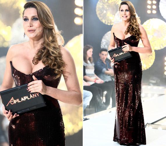 Horváth Éva 2013-ban a VIASAT3-on futott Címlaplány című műsor háziasszonyaként vette fel ezt a Léber Barbara által tervezett flitteres ruhát, amelynek dekoltázsa kissé szűkre sikeredett.