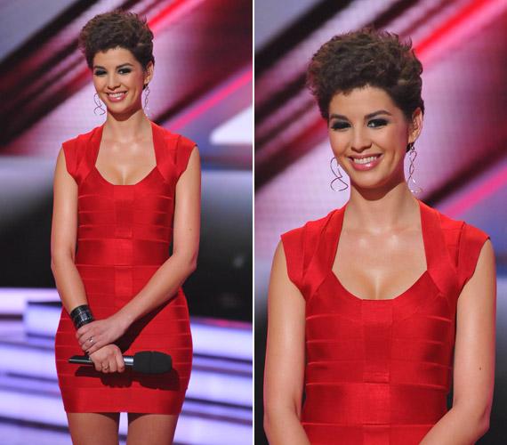 A vörös ruhához egy dögösebb frizura járt a november 26-ai adásban.