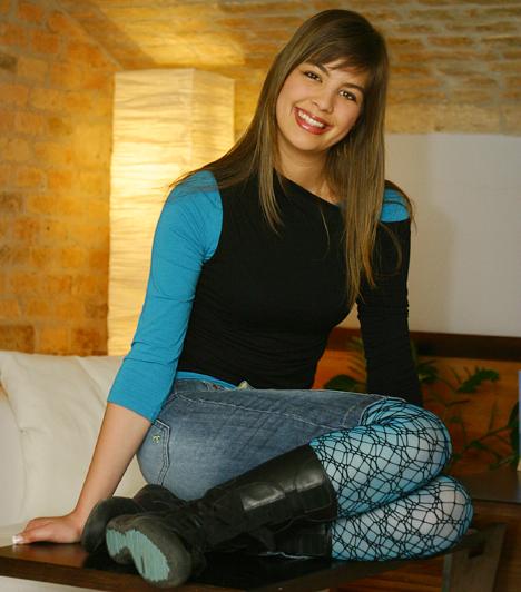 Gyakornokként kezdte az RTL KlubonAlig volt 19 éves, amikor az RTL Klubhoz került gyakornoknak. Eleinte különféle népszerű műsorok, mint a Mónika-show és a Reggeli asszisztense és szerkesztője volt, és talán nem is gondolta volna, hogy a közkedvelt reggeli programban egyszer műsorvezetőként vesz majd részt.