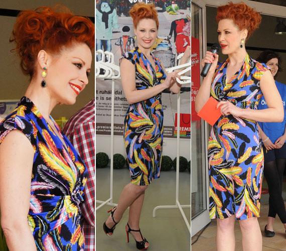 A TV2 Tűsarok című műsorának háziasszonya testhezálló, tarka tavaszi ruhájában vonzotta a tekinteteket.