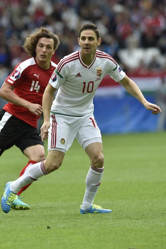 Kedden hatalmas sikert aratott a magyar labdarúgó-válogatott: az Eb-n 2:0-ra legyőzte Ausztriát. A BBC Gera Zoltánt választotta a mérkőzés legjobb játékosának. Nézd meg a 37 éves focista gyönyörű feleségét »