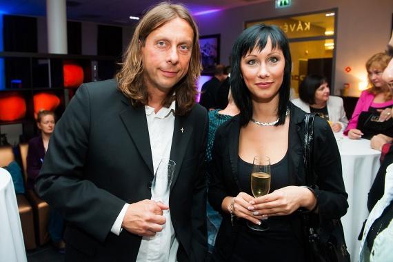 Szakított 24 évvel fiatalabb szerelmével Kicska László, az EDDA basszusgitárosa, Keresztes Ildikó énekesnő volt férje. Az 51 éves zenész meg is indokolta döntését.