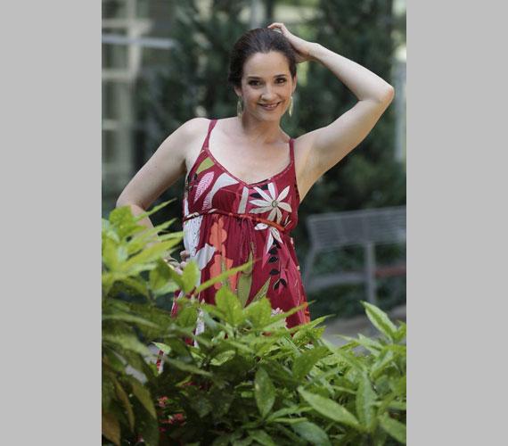 Huszárik Kata színésznő számára nem teljesen ismeretlen a terep, a 42 éves színésznőnek Kávészünet címmel 2012 márciusától saját műsora fut az Újbuda TV-n.