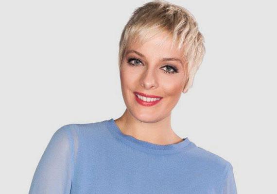 Összeállt a március 15-én induló Petőfi TV fiatal műsorvezető csapata. A három nő és három férfi a Petőfi Rádió Talpra magyar című műsorában mutatkozott be. Ide kattintva nézheted meg őket »