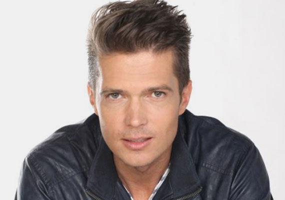 Gyetván Csaba, aki az RTL Klub Barátok közt című sorozatával lett országosan ismert, hamarosan a TV2 Falforgatók című műsorának új házigazdája lesz.